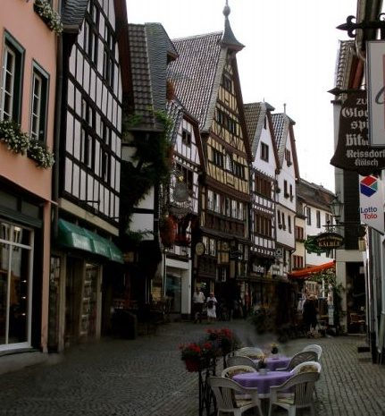 Orchheimer Straße mit Windeckhaus